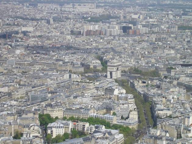 Výhľad z najvyššieho poschodia Eiffelovky